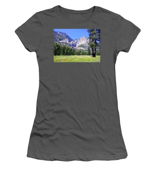 Yosemite 7 Women's T-Shirt (Athletic Fit)