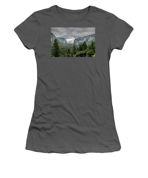 Yosemite View 36 Women's T-Shirt (Athletic Fit)