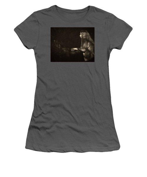 7B Women's T-Shirt (Athletic Fit)