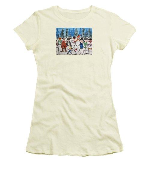 10 Christmas Snowmen  Women's T-Shirt (Junior Cut) by Jeffrey Koss