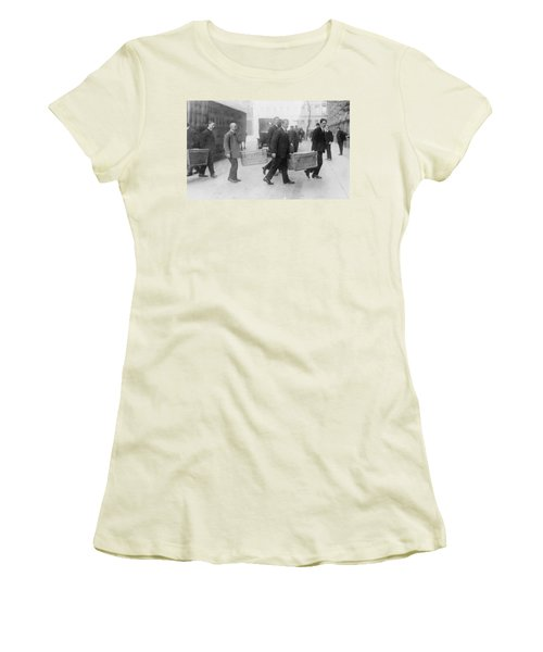 Women's T-Shirt (Junior Cut) featuring the photograph Germany Inflation, 1923 by Granger