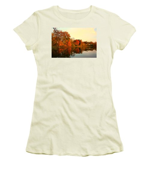 Shady Oak Lake  Women's T-Shirt (Athletic Fit)