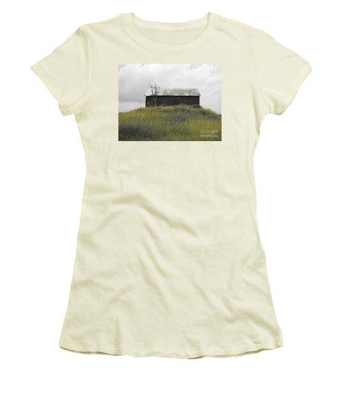 Buzzards Women's T-Shirt (Athletic Fit)