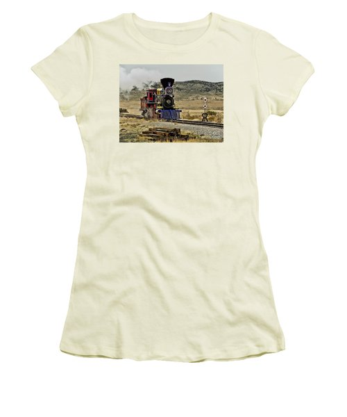 Women's T-Shirt (Junior Cut) featuring the photograph Central Pacific's Jupiter by David Lawson