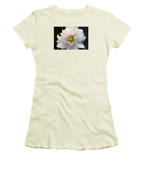 Clematis 'belle Of Woking' Women's T-Shirt (Athletic Fit)