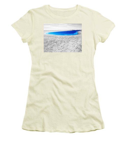 Coorong Sandy Bay Women's T-Shirt (Athletic Fit)