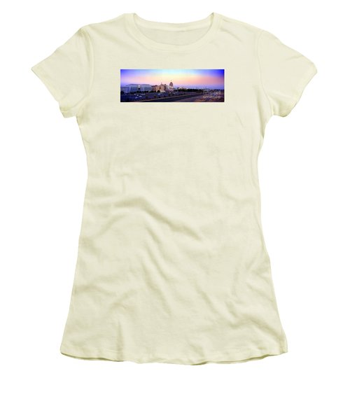 Fresno Skyline Into The Evening Women's T-Shirt (Athletic Fit)