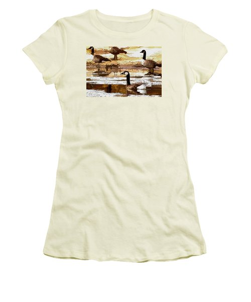 Goose Abstract Women's T-Shirt (Athletic Fit)