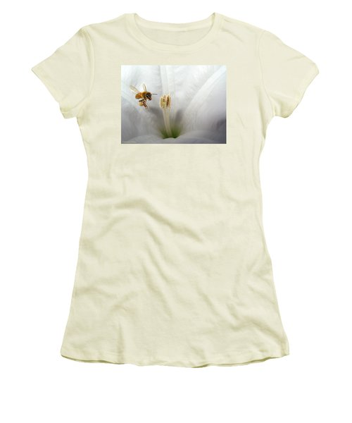 Honey Bee Up Close And Personal Women's T-Shirt (Athletic Fit)