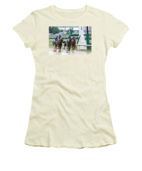 Horse Races At Churchill Downs Women's T-Shirt (Athletic Fit)
