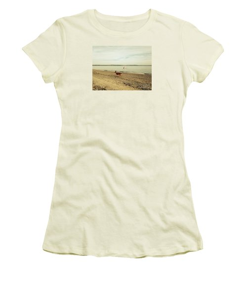 Island Deer Women's T-Shirt (Athletic Fit)