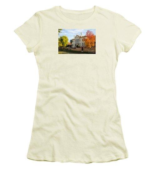 Italian Villa Women's T-Shirt (Athletic Fit)