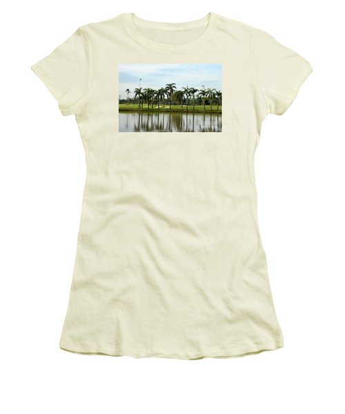 Lake Sand Traps Palm Trees And Golf Course Singapore Women's T-Shirt (Athletic Fit)