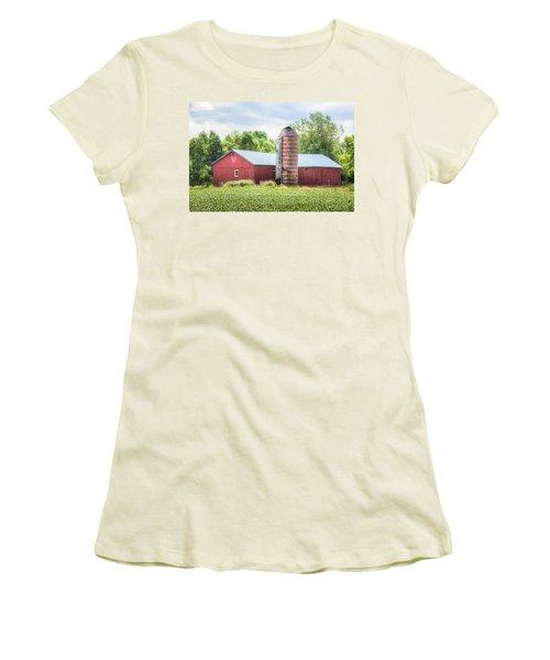 Women's T-Shirt (Junior Cut) featuring the photograph Love Barn by Gary Heller