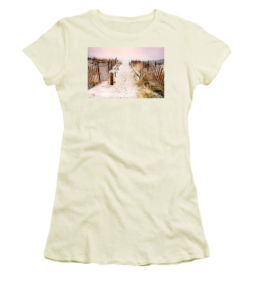 Love Is Everything - Footprints In The Sand Women's T-Shirt (Athletic Fit)