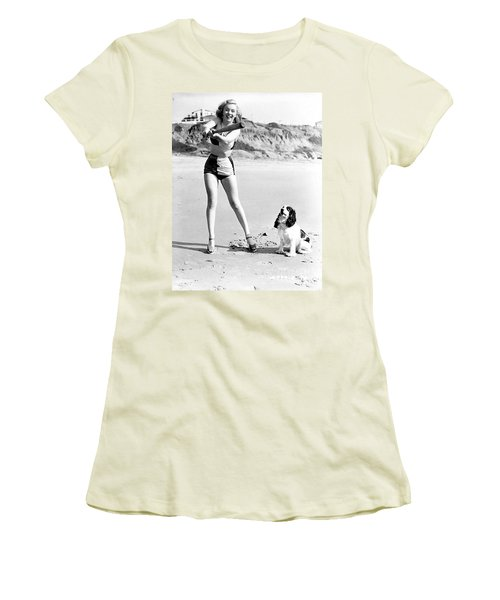 Marilyn Playing Baseball At The Beach Women's T-Shirt (Athletic Fit)