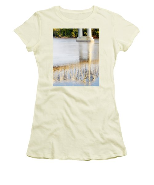 Mississippi Reflection Women's T-Shirt (Athletic Fit)
