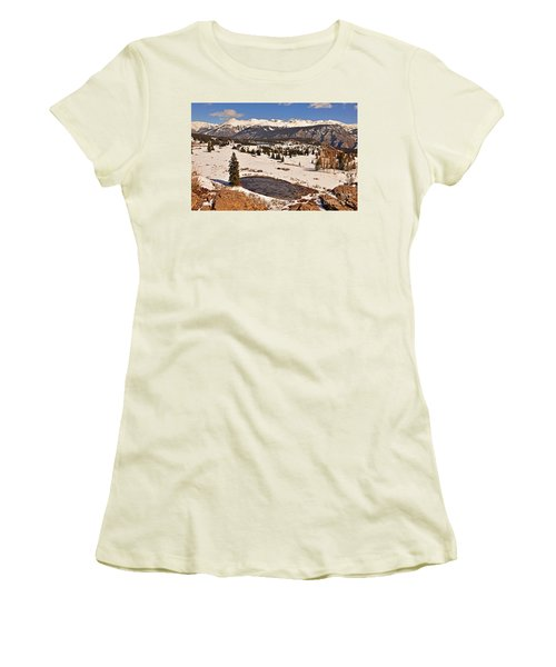 Molas Pass Winter Women's T-Shirt (Athletic Fit)