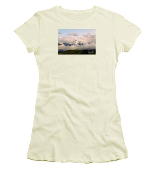 Montana Mountain Women's T-Shirt (Athletic Fit)