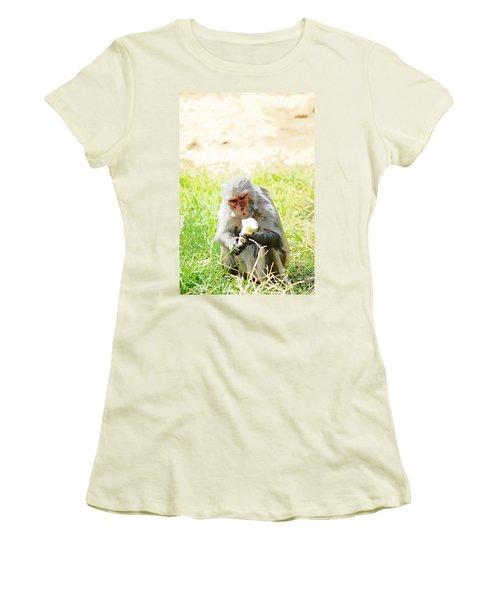 Oil Painting - A Monkey Eating An Ice Cream Women's T-Shirt (Junior Cut)