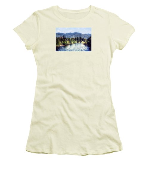 Oregon Views Women's T-Shirt (Athletic Fit)