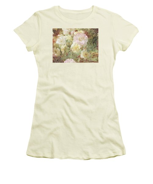 Pink And White Roses With Tapestry Look Women's T-Shirt (Athletic Fit)