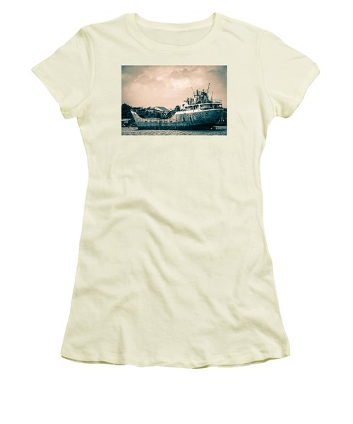 Rusty Ship Women's T-Shirt (Athletic Fit)
