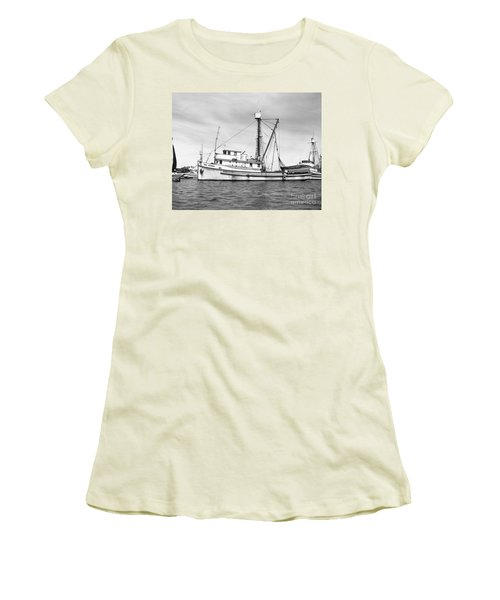 Purse Seiner Sea Queen Monterey Harbor California Fishing Boat Purse Seiner Women's T-Shirt (Athletic Fit)