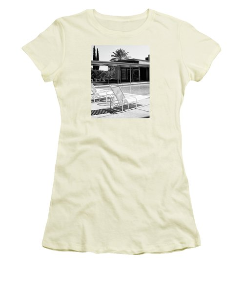 Sinatra Pool Bw Palm Springs Women's T-Shirt (Athletic Fit)