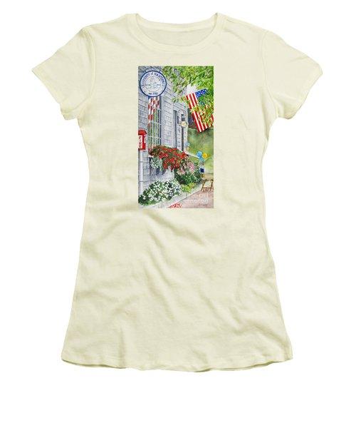 University Of Nantucket Shop Women's T-Shirt (Athletic Fit)