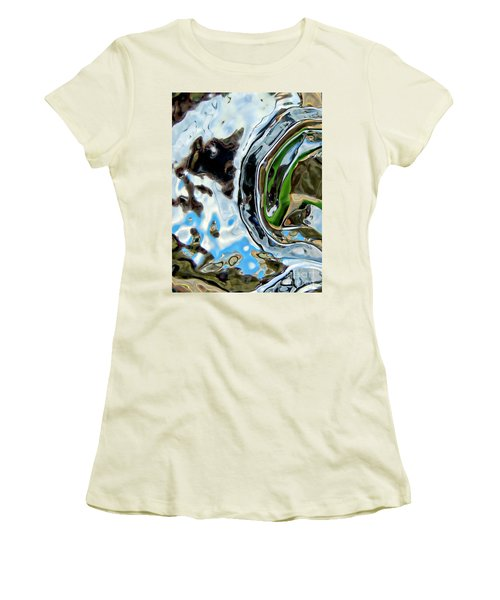 Water Captivates Women's T-Shirt (Athletic Fit)
