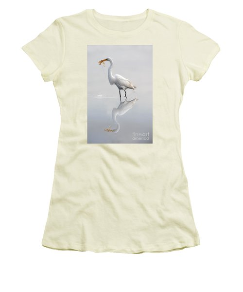Women's T-Shirt (Junior Cut) featuring the photograph Great Egret With Lunch by Dan Friend
