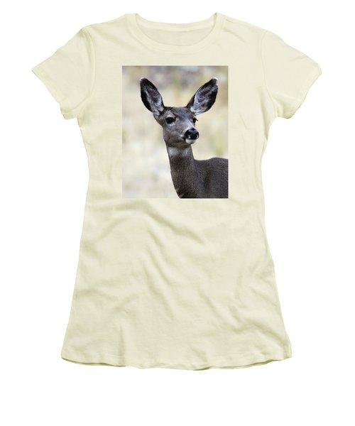 Mule Deer Doe Women's T-Shirt (Junior Cut) by Steve McKinzie