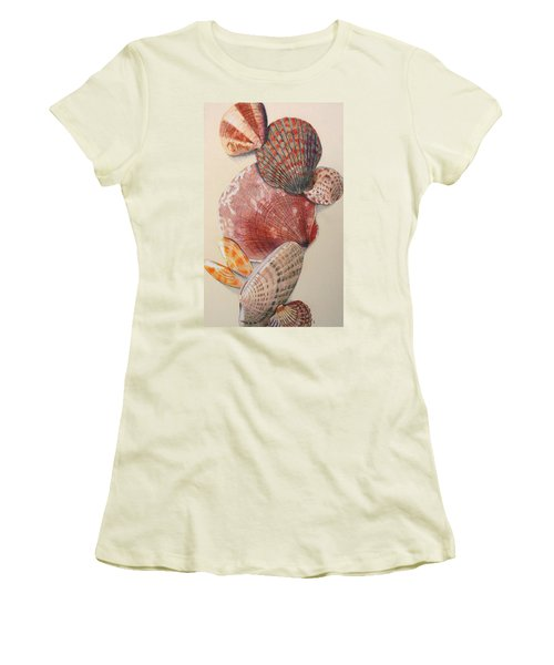 Vertical Clam Shells Women's T-Shirt (Athletic Fit)