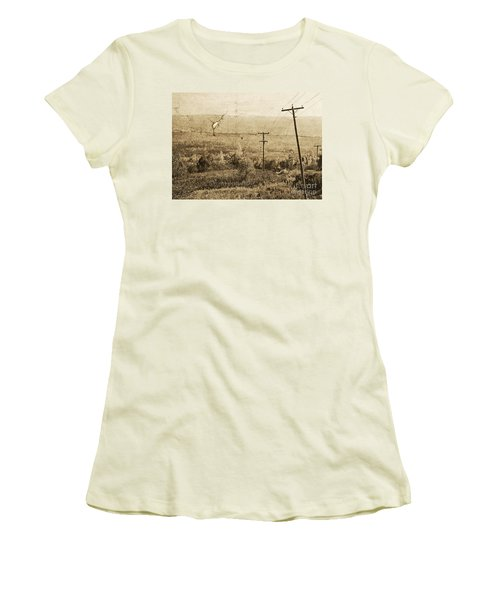 Vintage View Of Ontario Fields Women's T-Shirt (Athletic Fit)