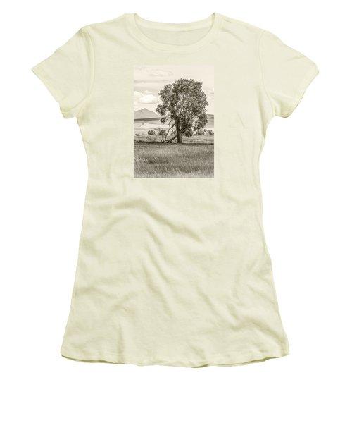 #0552 - Southwest Montana Women's T-Shirt (Athletic Fit)