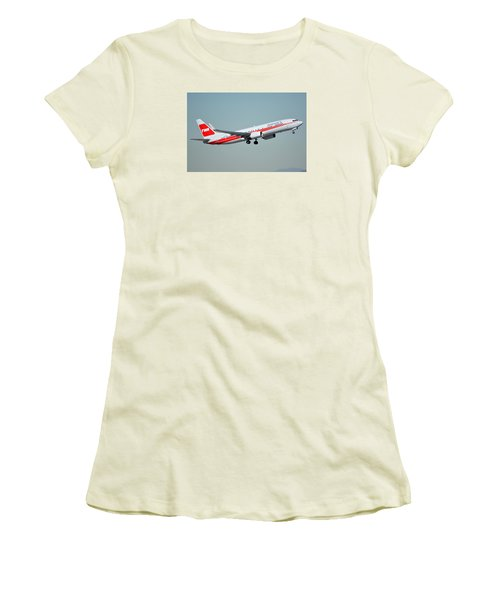 American Boeing 737-823 N915nn Phoenix Sky Harbor January 11 2015 Women's T-Shirt (Junior Cut) by Brian Lockett