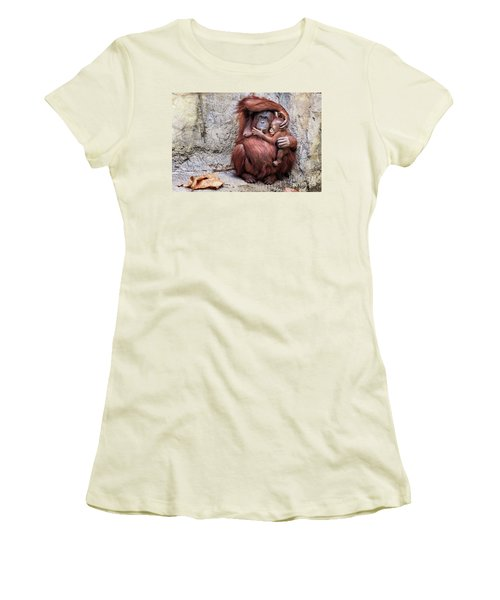 Mom And Baby Orangutan Women's T-Shirt (Athletic Fit)