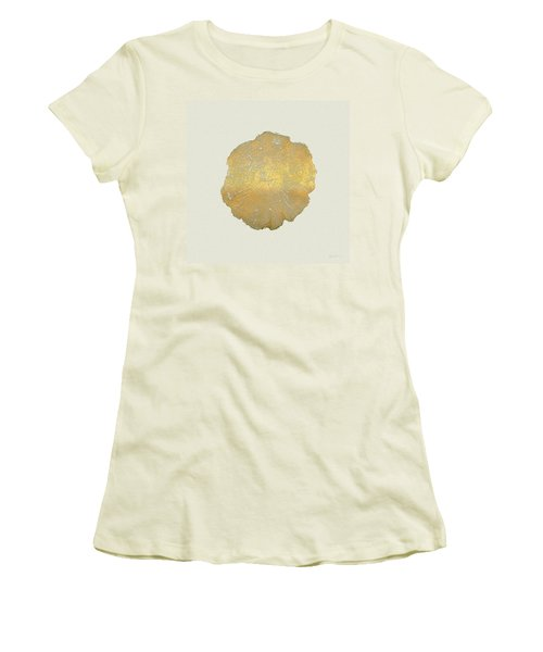 Rings Of A Tree Trunk Cross-section In Gold On Linen  Women's T-Shirt (Athletic Fit)