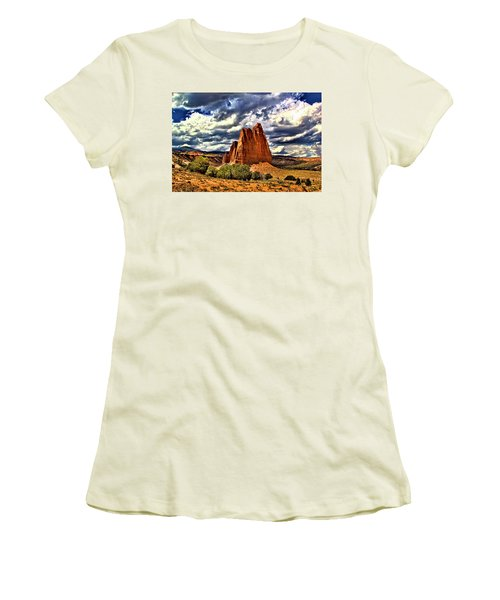 Capitol Reef National Park Catherdal Valley Women's T-Shirt (Athletic Fit)