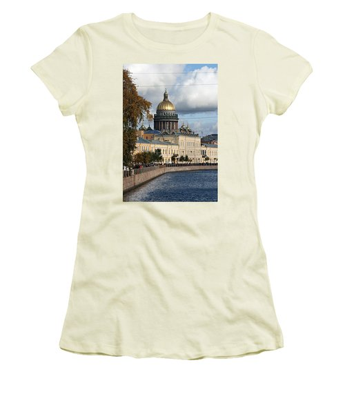 St. Petersburg Women's T-Shirt (Athletic Fit)