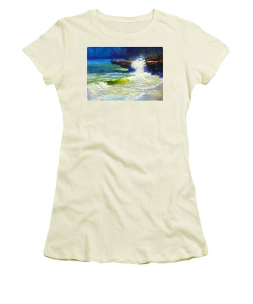 A Big Wave Women's T-Shirt (Athletic Fit)