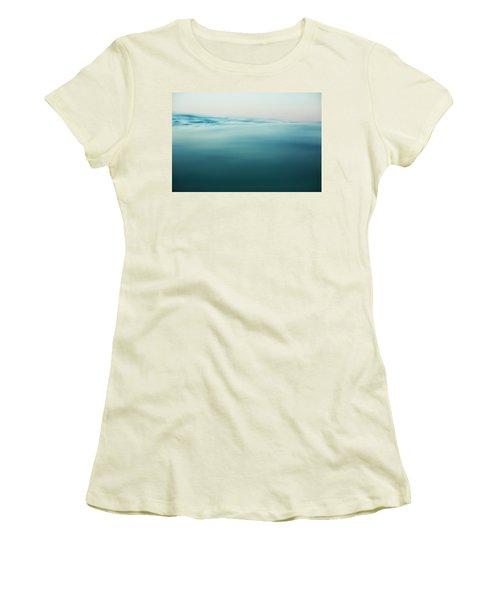 Agua Women's T-Shirt (Athletic Fit)