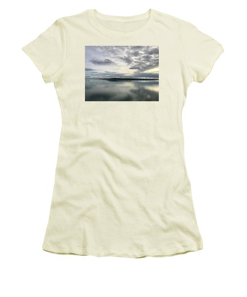 Alaskan Sunrise Women's T-Shirt (Athletic Fit)