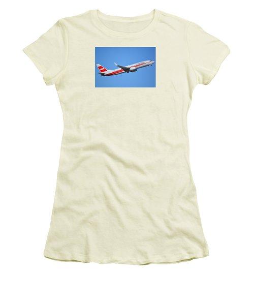 American Boeing 737-823 N915nn Retro Twa Phoenix Sky Harbor January 12 2015 Women's T-Shirt (Junior Cut) by Brian Lockett