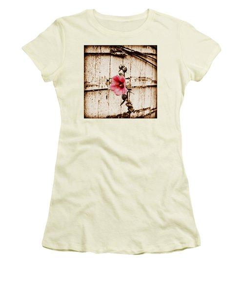 Antique Flower Women's T-Shirt (Junior Cut)
