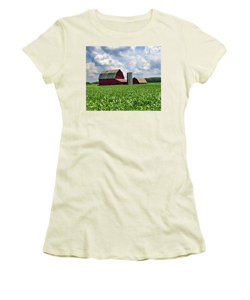 Barn In The Corn Women's T-Shirt (Athletic Fit)