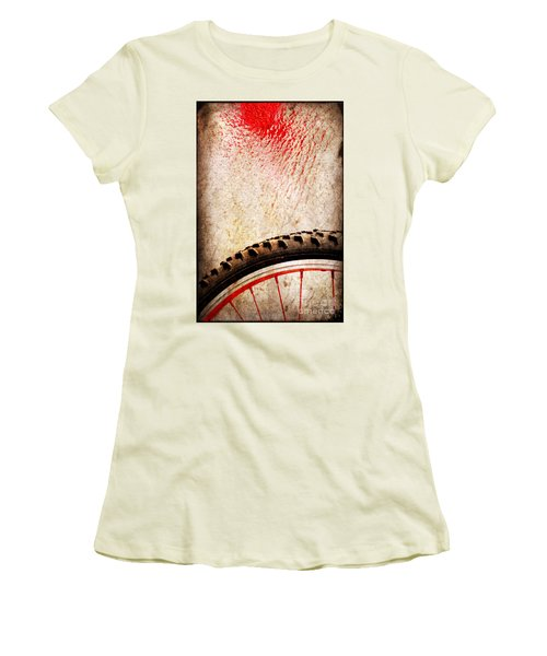 Bike Wheel Red Spray Women's T-Shirt (Junior Cut)