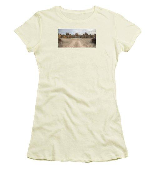 Blenheim Palace Women's T-Shirt (Athletic Fit)
