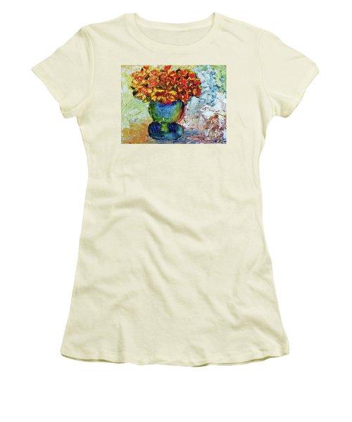 Blue Vase Women's T-Shirt (Athletic Fit)